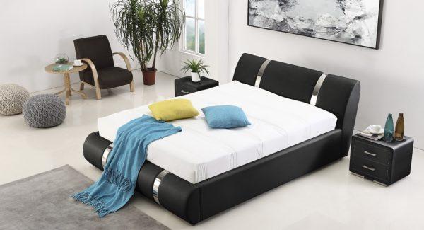 מיטה זוגית אשלי עם ארגז מצעים מרופדת דמוי עור שחור תמונת רקע