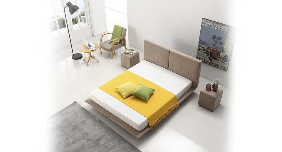 מיטה זוגית cloud מרופדת בד בגוון חום-אפרפר, מיטה זוגית מרחפת
