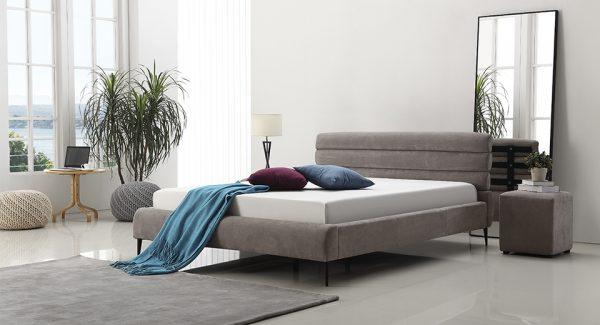 חדר שינה מודרני מיטה זוגית מעוצבת מרופדת בד אפור בהיר דגם גיליס