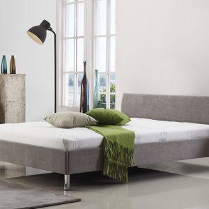 מיטה זוגית היפו מרופדת בד בצבע אפור בהיר תמונת רקע