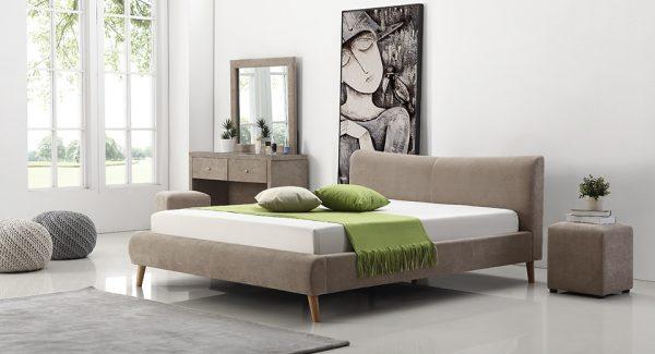 מיטה זוגית נובל מרופדת בד בצבע חום אפרפר תמונת רקע