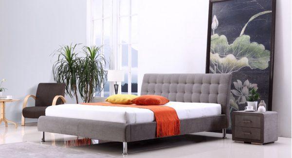 מיטה זוגית קורל מרופדת בד בגוון אפור 140 160 תמונת רקע