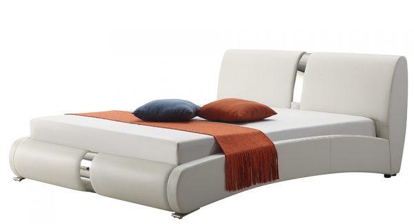 מיטה זוגית מודלו מרופדת דמוי עור בצבע לבן צילום זוית 45